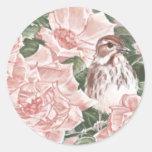 Gorrión de canción y pintura rosada de la flor de  etiqueta