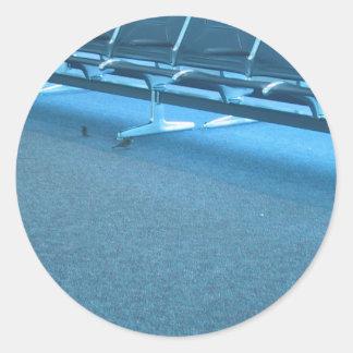 Gorriones en el aeropuerto internacional de Denver Pegatina Redonda