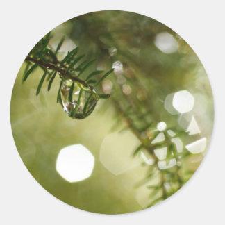 Gotas de agua pegatina redonda