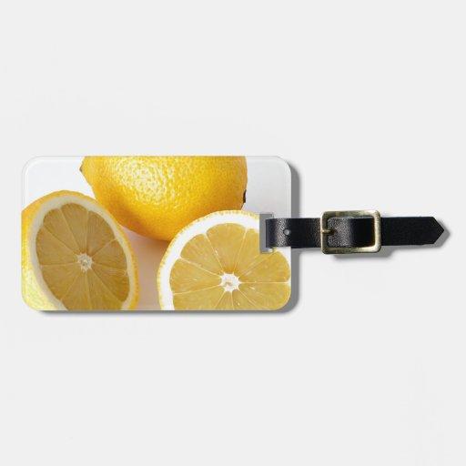 Gotas de limón jugosas de la limonada etiquetas maletas