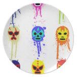 Goteo de lucha mexicano de la pintura de la máscar platos para fiestas