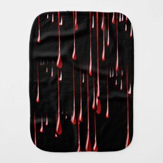 Goteos sangrientos en fondo negro paños de bebé