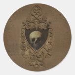 Gótico con el cráneo etiqueta redonda