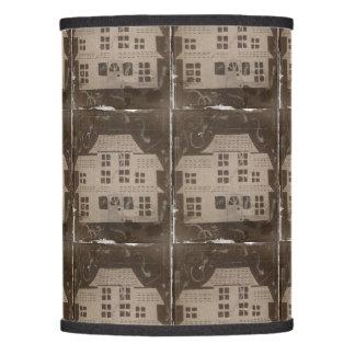 Gótico fantasmagórico de la casa encantada antigua pantalla de lámpara