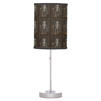 Gótico fantasmagórico esquelético antiguo lámpara de mesa