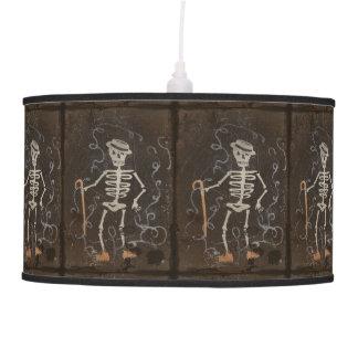 Gótico fantasmagórico esquelético antiguo lámpara de techo