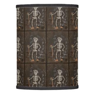 Gótico fantasmagórico esquelético antiguo pantalla de lámpara