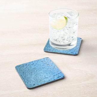 Gotitas de agua azul posavasos