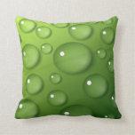 Gotitas de agua en fondo cuadrado verde almohadas