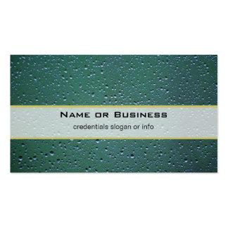 Gotitas de agua en un fondo verde plantillas de tarjeta de negocio