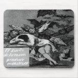 Goya el sueño de la razón produce a monstruos alfombrillas de ratón