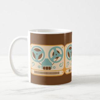 Grabadora análoga de carrete taza de café
