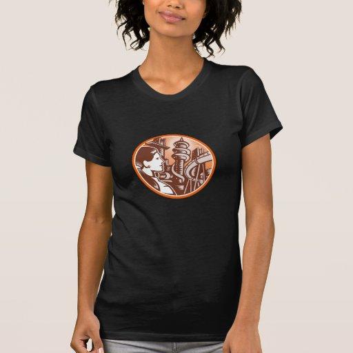 Grabar en madera futurista del círculo del lado de camisetas