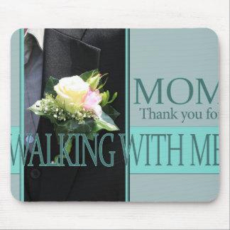 Gracias de la mamá por caminar yo abajo del tapete de ratón