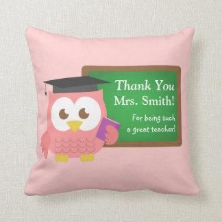 Gracias, día del aprecio del profesor, búho rosado cojin