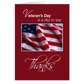 Gracias el el día de veterano, bandera en rojo tarjeta de felicitación