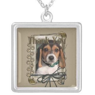 Gracias - las patas de piedra - perrito del beagle grimpolas