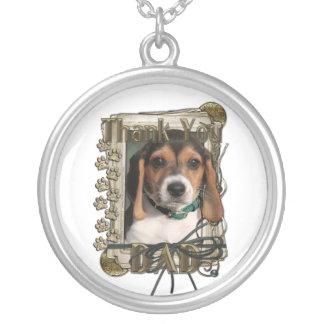 Gracias - las patas de piedra - perrito del beagle pendiente personalizado
