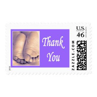 Gracias los pequeños pies del bebé franqueo