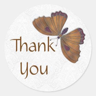 Gracias marrón del brocado de la mariposa del pegatina redonda