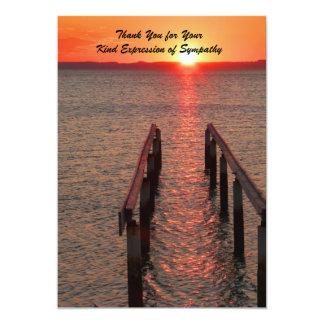 """Gracias por su condolencia, puesta del sol, océano invitación 5"""" x 7"""""""