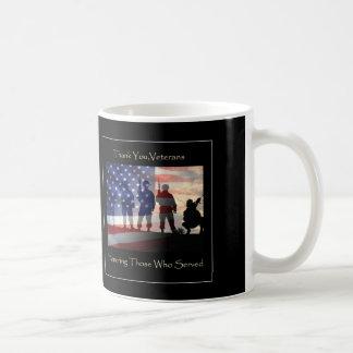 Gracias taza del día de veteranos de los veteranos
