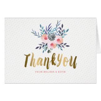 Gracias texto del oro y ramo de las flores de las tarjeta de felicitación