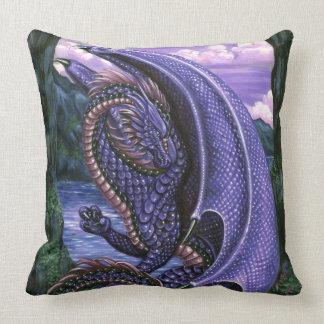 Grado Amethyst del dragón una almohada de tiro del