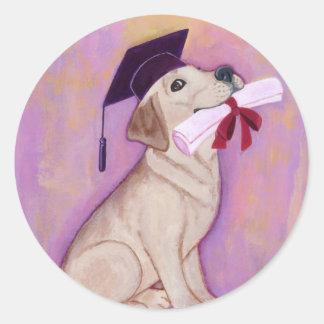 Graduación amarilla de Labrador Pegatina Redonda
