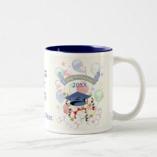 Graduación azul del mortero y del diploma tazas de café