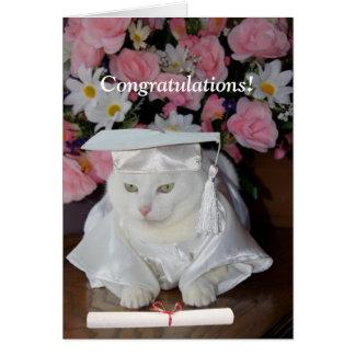 Graduación bonita adaptable de la hembra del gato tarjeta de felicitación