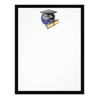 """Graduación de calidad mundial - casquillo y folleto 8.5"""" x 11"""""""