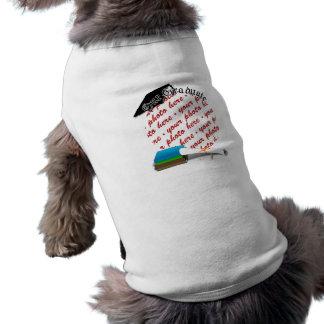 Graduación de la pila de libro nuestro marco gra camisa de perro