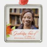 Graduación floral anaranjada personalizada de la ornamentos de navidad