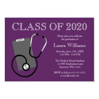Graduación médica de la púrpura de la escuela de anuncios