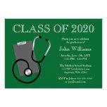 Graduación médica del verde de la escuela de enfer invitación personalizada