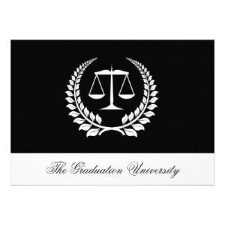 Graduación negra blanca del colegio de abogados de invitacion personalizada