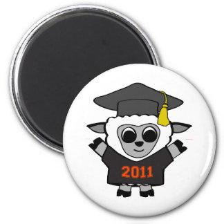 Graduado 2011 del negro y del naranja de las oveja imán redondo 5 cm