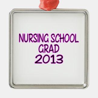 Graduado 2013 de la escuela de enfermería adorno navideño cuadrado de metal