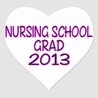 Graduado 2013 de la escuela de enfermería pegatina en forma de corazón