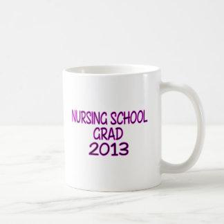 Graduado 2013 de la escuela de enfermería taza clásica