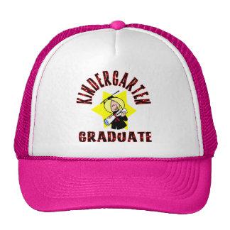Graduado de la guardería del chica gorras de camionero