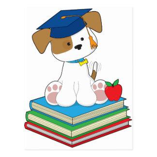 Graduado lindo del perrito postales