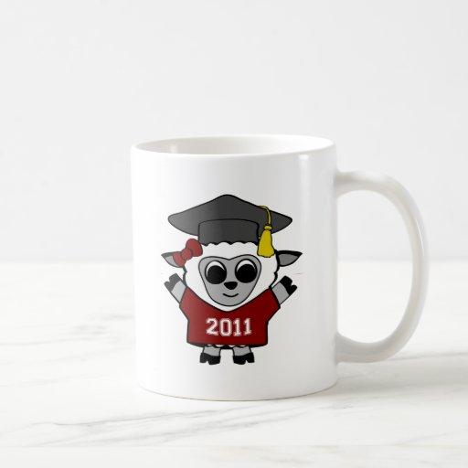 Graduado marrón y del blanco 2011 de las ovejas taza