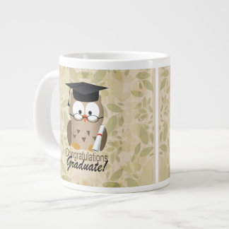Graduado sabio lindo del búho taza grande