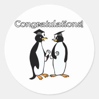 Graduados del pingüino etiqueta redonda