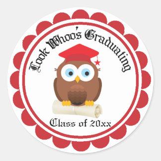Graduation Owl in Red Cap Classic Round Sticker