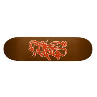Graf rojo del estilo en marrón patinetas personalizadas