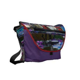 """""""Graffiti-Fenster-"""" - Bote-Tasche Messenger Bag"""