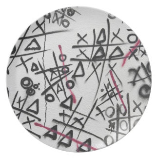Graffiti Tic Tac Toe Dinner Plate